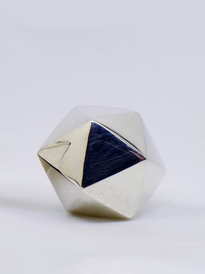 Icosahedron 7.77g
